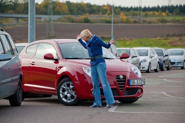 Młodzi kierowcy w Polsce nie czują się pewnie na drodze