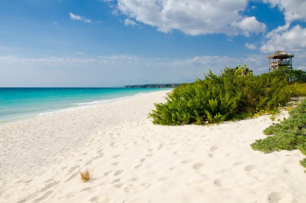 Plaża Bahia de las Aguilas jest piękna, pusta i szeroka