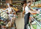 Po wzroście pensji minimalnej kierownik sklepu to będzie szycha. Ale zdrożeje żywność. Pierwsze skutki podwyżek widać już w Poczcie Polskiej