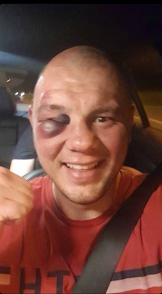 Tomasz Sarara (1-0) po walce z Filipem Bradariciem na KSW 62. Źródło: Instagram