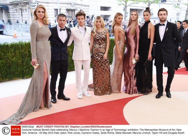 Gwiazdy ubrane przez Topshop gala Met 2016