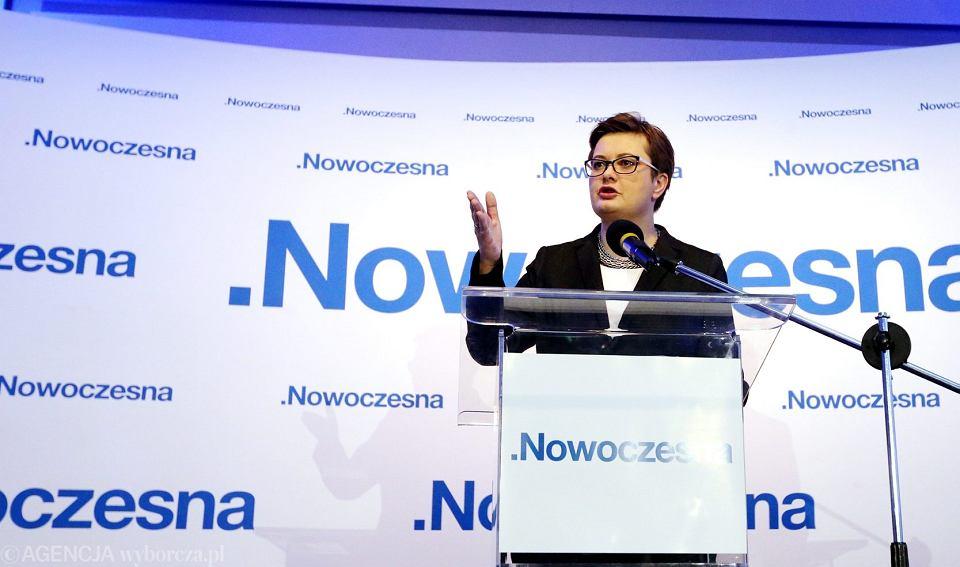 Przewodnicząca Katarzyna Lubnauer podczas Rady Krajowej partii Nowoczesna, 8 grudnia 2018.