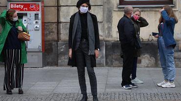 Warszawa pierwszego dnia po wejściu do żółtej strefy sanitarnej z powodu pandemii koronawirusa