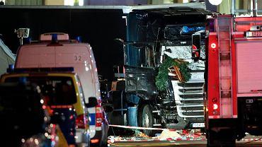 Ciężarówka, która wjechała w kiermasz miała polskie tablice rejestracyjne.