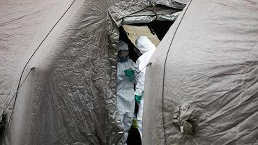 Namiot wojskowy - w podobnych przebywają rezerwiści z Inowrocławia (zdjęcie ilustracyjne)