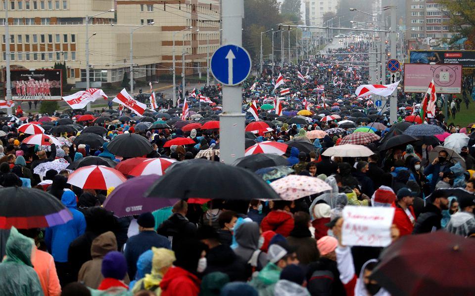 Mińsk, niedziela, 11 października 2020 r. Marsz przeciwników Aleksandra Łukaszenki