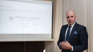 Wiceminister zdrowia Sławomir Gadomski