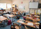 Wiceminister zdrowia: Część dzieci może pójść do szkół