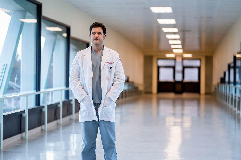 Joshua Jackson w serialu 'Dr Death' na CANAL+.