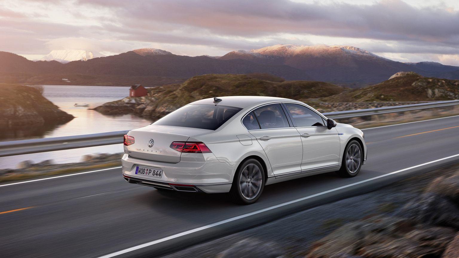 Nowy Volkswagen Passat Zastrzyk Technologii