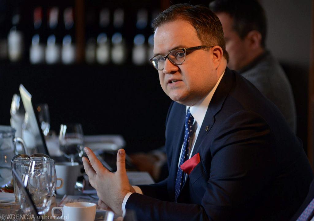 Prezes Banku Pekao Michał Krupiński podczas spotkania na temat podsumowania wyników finansowych Banku Pekao S.A. za rok 2018 .