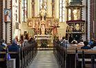 Polacy rezygnują z chrztów, komunii i ślubów kościelnych. Wzrosła też liczba aktów apostazji