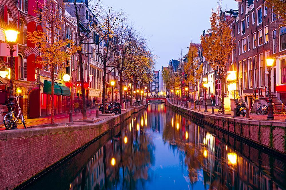 Dzielnica czerwonych latarni w Amsterdamie w Holandii