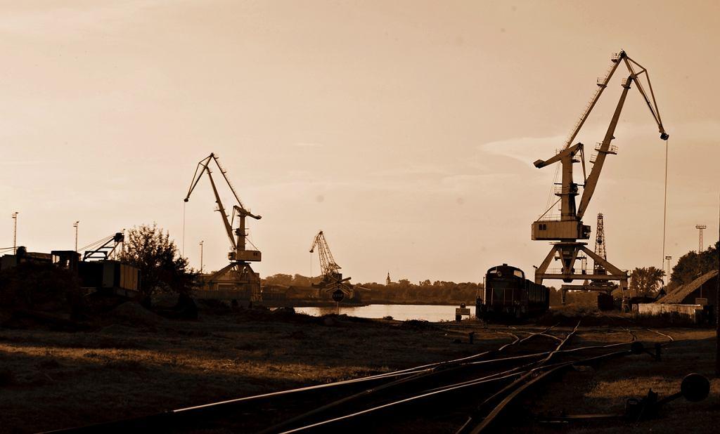 Transportowe serce miasta Gliwice. Gliwicki port dostarcza miedzy innymi węgiel z Gliwic do Wrocławia