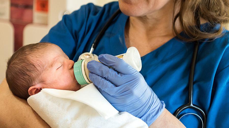Opieka nad noworodkami wymaga szczególnej troski