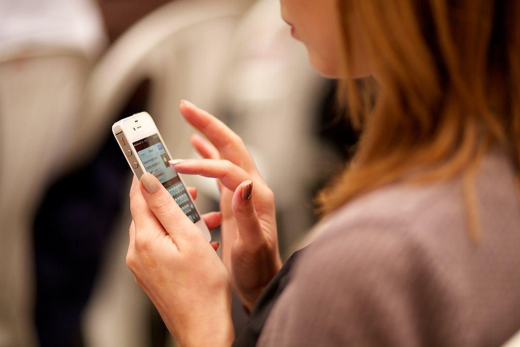 Koronawirus w Polsce. Nowa aplikacja 'SafeSafe' pomoże monitorować stan zdrowia