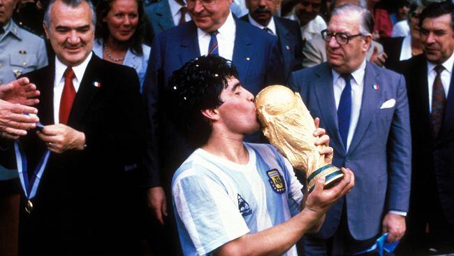 """""""Być jak Maradona"""". Dokument o piłkarskiej legendzie na finał mundialu"""