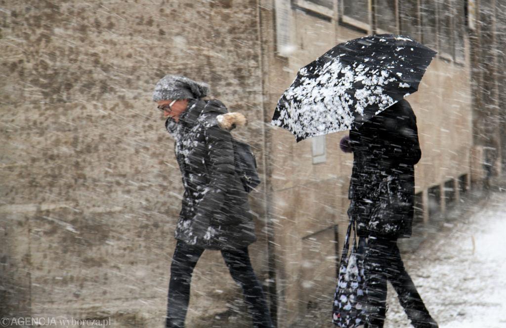 Pogoda. Są ostrzeżenia IMGW. Spadnie śnieg