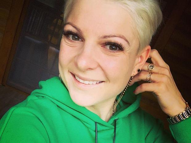 Magda Narożna z zespołu Piękni i Młodzi uwielbia eksperymentować z fryzurą. Tym razem zdecydowała się na zmianę koloru. Zobaczcie, jak teraz wygląda.