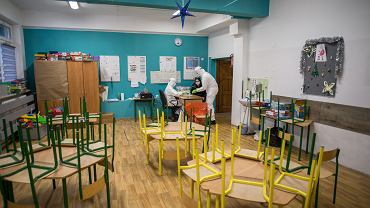 Pandemia koronawirusa. Badania nauczycieli na obecność zakażenia COVID-19 - przed powrotem do szkół klas  1-3. Bydgoszcz, 15 stycznia 2021