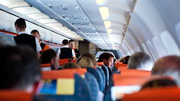 Pasażerka została wyrzucona z samolotu, ponieważ nie chciała wysłuchać filmiku z instrukcją bezpieczeństwa