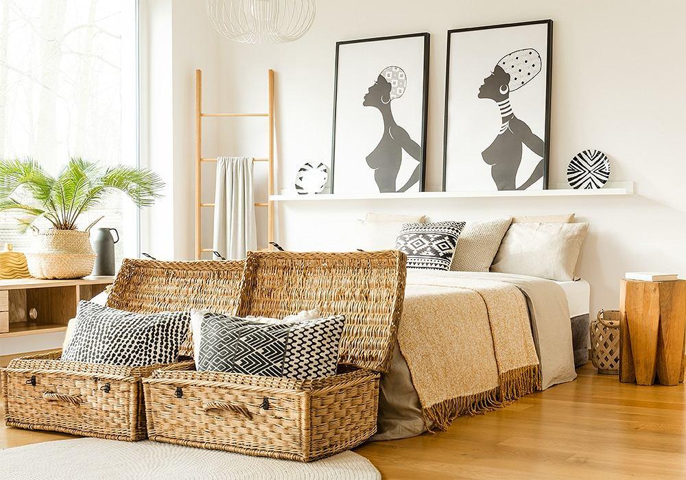 Jasna sypialnia w stylu boho