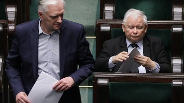Wybory prezydenckie 2020. Jarosław Kaczyński i jego koalicjant Jarosław Gowin na sali plenarnej