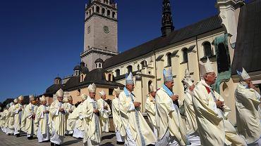 26.08.2020, Częstochowa, Jasna Góra. Biskupi podczas święta Matki Bożej Jasnogórskiej w czasie epidemii koronawirusa.