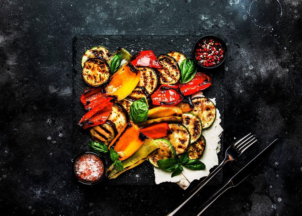 Cukinia z grilla- sprawdź szybki przepis na majówkę. Zdjęcie ilustracyjne