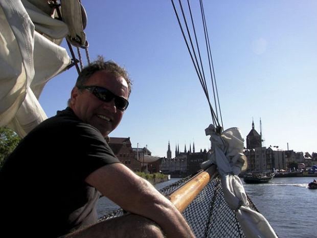 Jednoręki kapitan samotnie dookoła Bałtyku. Pomaga chorym na białaczkę