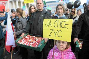 """Mieszkańcy Mazowsza idą pod siedzibę PiS. """"Nie jesteśmy rosyjskimi agentami"""""""