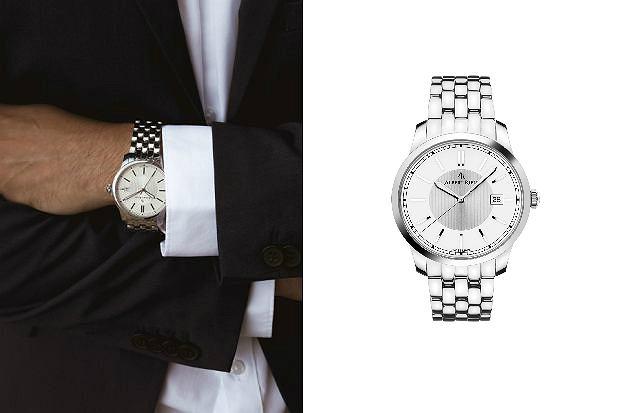 zegarek z metalową bransoletą