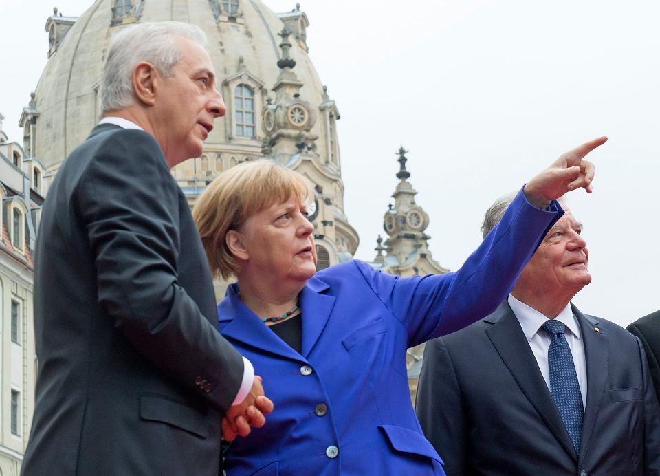 Angela Merkel jest kanclerzem od 11 lat. Nigdy nie potraktowano jej tak jak w poniedziałek w Dreźnie, gdzie świętowano 26. rocznicę zjednoczenia Niemiec