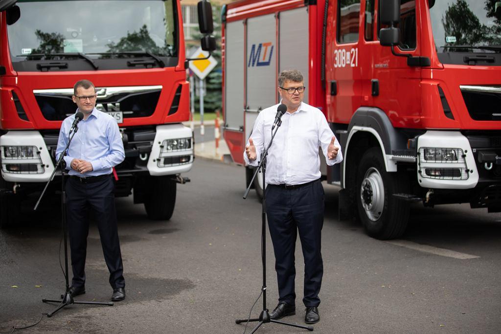 Wybory prezydenckie 2020. Resort ministra Kamińskiego obiecał wóz strażacki dla gminy z najwyższą frekwencją