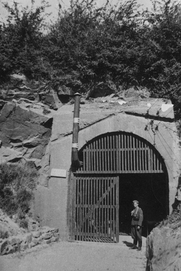 Wejście do tunelu w latach 80-tych