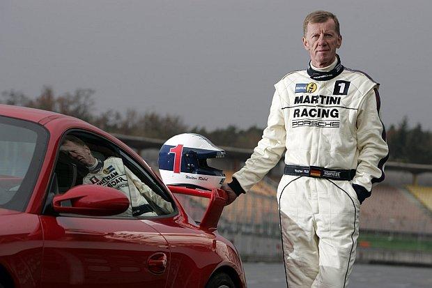 Od zakończenia kariery zawodniczej pracuje jako kierowca testowy samochodów Porsche