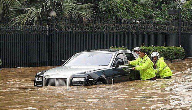 Rolls-Royce Ghost w roli amfibii