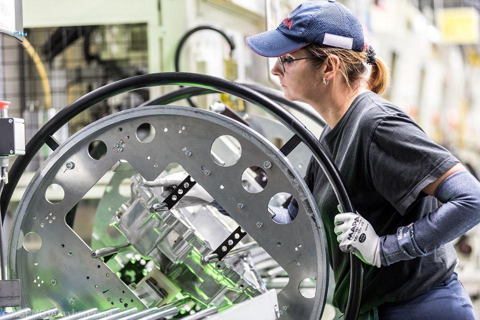 Uruchomienie linii produkcyjnej przekładni do samochodów hybrydowych Toyoty w Wałbrzychu