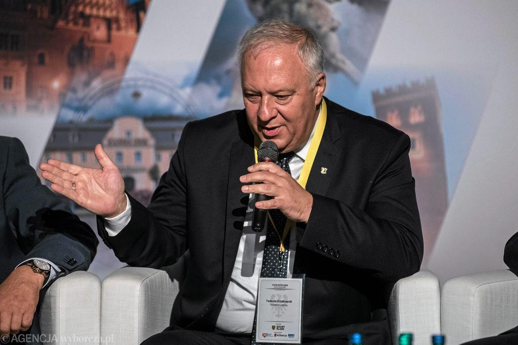 Tadeusz Krzakowski wygrał w II turze wyborów samorządowych w Legnicy