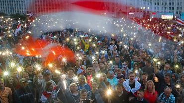 19.08.2020, Mińsk, manifestacja na placu Niepodległości.