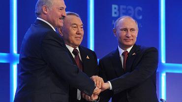 Aleksander Łukaszenka, Narsułtan Nazarbajew i Władimir Putin