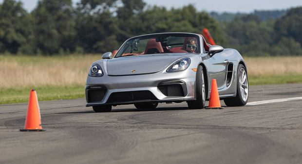 Chloe Chambers i Porsche 718 Spyder