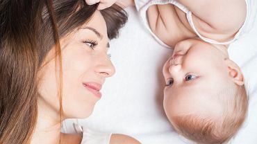 Używanie przez osobę dorosłą szamponu dla dzieci może przynieść więcej strat niż korzyści.