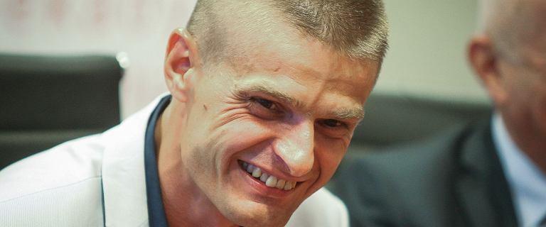 """Tomasz Komenda usunie więzienną """"pamiątkę"""". Jedna z klinik pomoże mu za darmo"""
