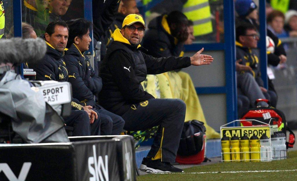 Juergen Klopp tak zły, że aż trudno wysiedzieć, podczas meczu z Paderbornem