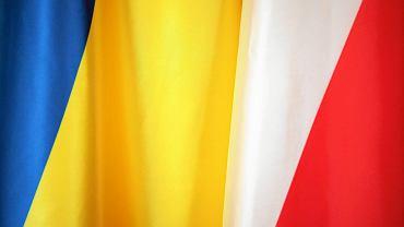 Flagi Ukrainy i Polski.