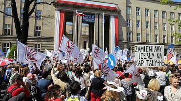 4 marca prezes Związku Nauczycielstwa Polskiego Sławomir Broniarz ogłosił datę rozpoczęcia strajku generalnego