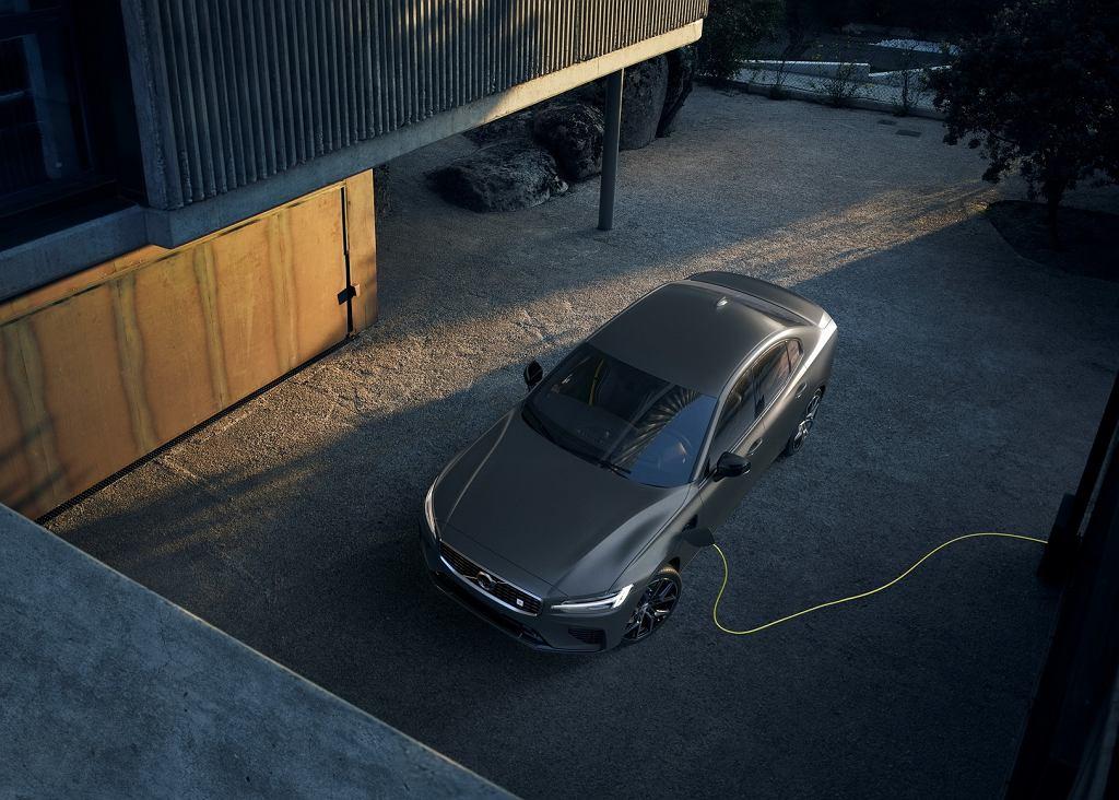 Volvo S60 plug-in