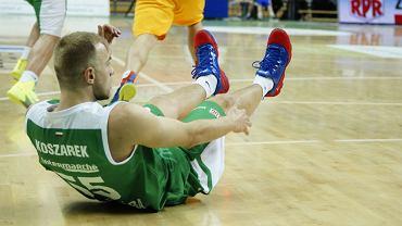 Koszykarze Turowa wyłączyli z gry Łukasza Koszarka