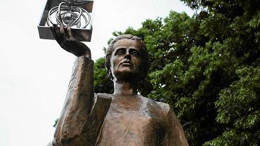 Pomnik Marii Skłodowskiej-Curie w Warszawie